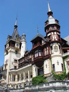 450px-Peles_Castle_-_Sinaia_-_Romania_02