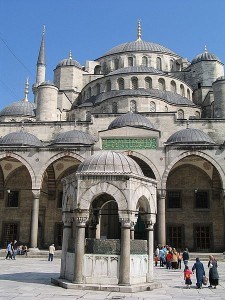 450px-Sultan_Ahmed_Mosque_02