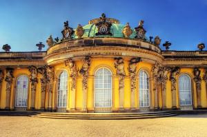 800px-Potsdam_Sanssouci_Palace