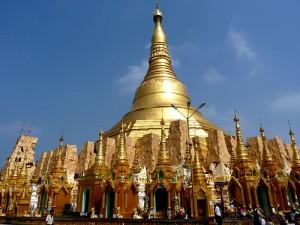 The_Shwedagon_Paya_in_Yangon_(Rangoon),_Myanmar_(Burma)